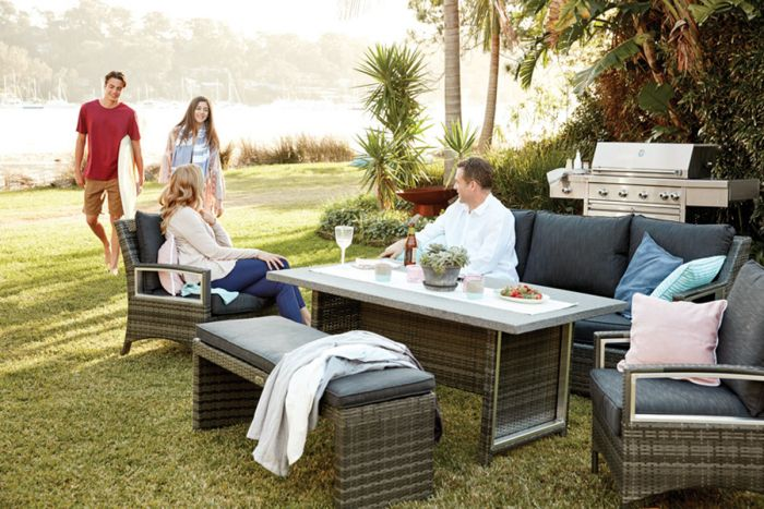 Best Contempo Outdoor Dining Set