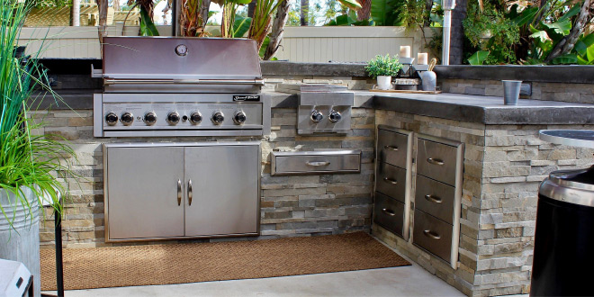 custom outdoor BBQ islands and grills