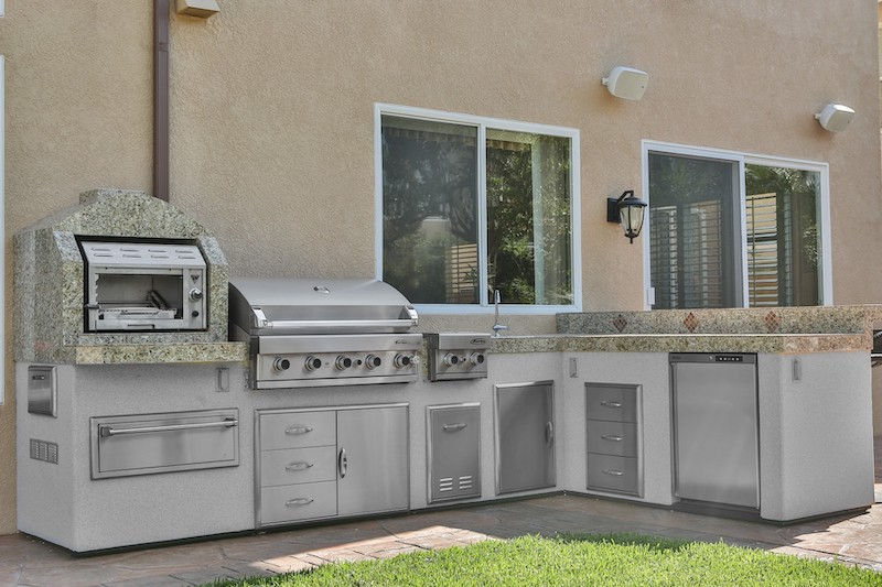 Designing and Planning an Outdoor Kitchen