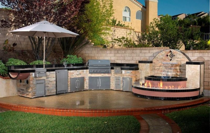 Building an Outdoor Kitchen in 8 Easy Steps